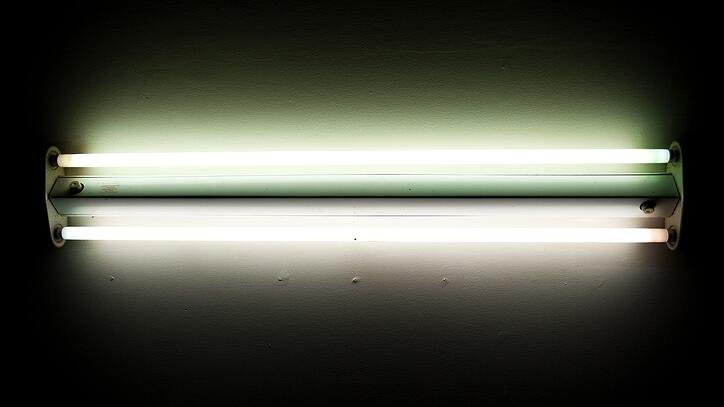 What is fluorescent lighting? Pros and cons of linear fluorescents
