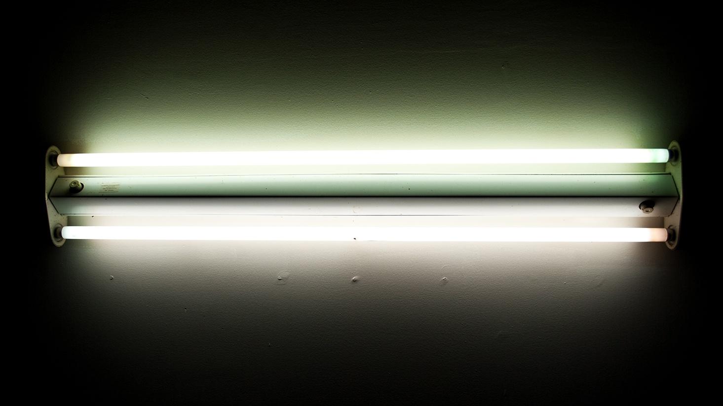 bigstock-Flourescent-Light-9743114.jpg